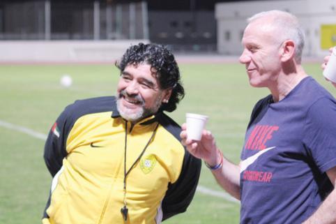 Maradona con Peter Reid en Dubai